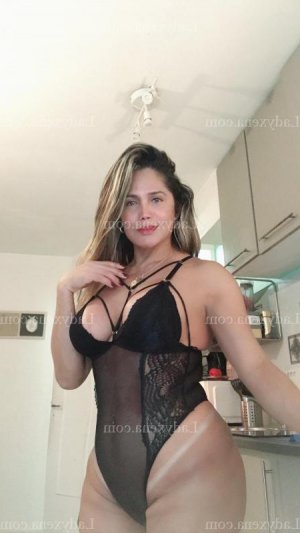 Armeline massage tantrique escort girl à Tinqueux 51